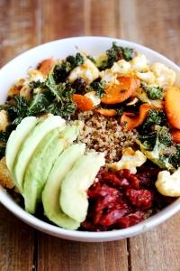 Quinoa_Bowl_Crispy_Baked_Kale_Cauliflower_Carrots_Recipe_001